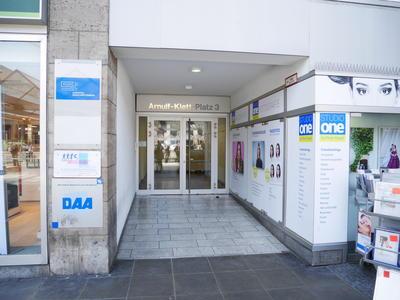 Eingang Arnulf-Klett-Platz 3